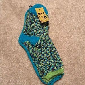 New 2 pack comfy socks